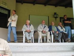 Die Spiele zur Fußballstadtmeisterschaft werden von einem fachkundigem Publikum beobachtet