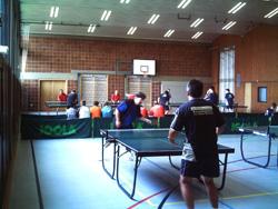 Ein spannendes Spiel zwischen Klaus-Peter Neißendorfer (BSG Wüstenrot Ludwigsburg) und Wolfgang Neißendorfer (DJK Unterbalbach)